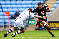 Charlie Matthews of Wasps takes on Conor Carey of Worcester Warriors - Mandatory by-line: Robbie Stephenson/JMP - 12/10/2019 - RUGBY - Ricoh Arena - Coventry, England - Wasps v Worcester Warriors - Premiership Rugby Cup