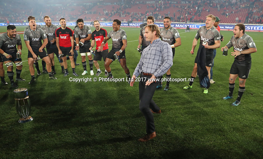 Scott Robertson, coach of the Crusaders celebrating with the players during 2017 Super Rugby Final match between Lions and Crusaders at Ellis Park Stadium, Johannesburg South Africa on 05 August 2017 ©Muzi Ntombela/BackpagePix / www.photosport.nz / www.photosport.nz / www.photosport.nz