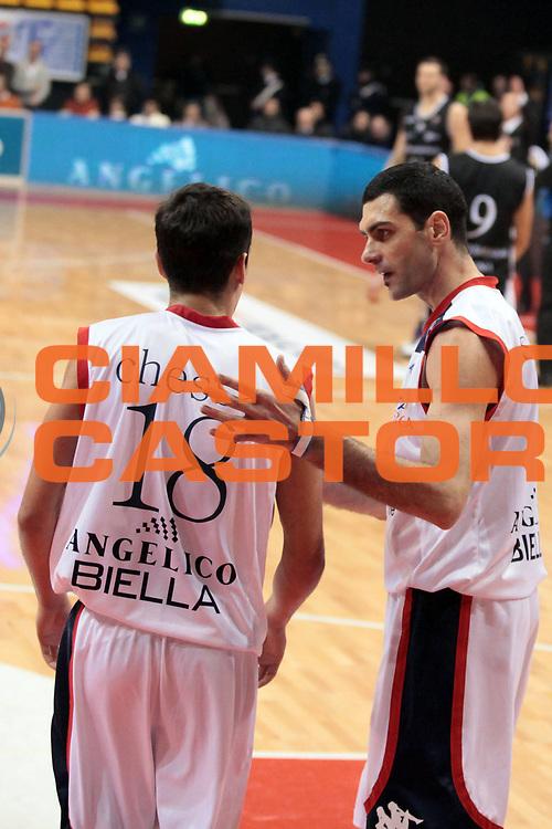 DESCRIZIONE : Biella Lega A 2010-11 Angelico Biella Canadian Solar Virtus Bologna<br /> GIOCATORE : Matteo Soragna Massimo Chessa<br /> SQUADRA : Angelico Biella<br /> EVENTO : Campionato Lega A 2010-2011<br /> GARA : Angelico Biella Canadian Solar Virtus Bologna<br /> DATA : 06/01/2011<br /> CATEGORIA : <br /> SPORT : Pallacanestro<br /> AUTORE : Agenzia Ciamillo-Castoria/S.Ceretti<br /> Galleria : Lega Basket A 2010-2011<br /> Fotonotizia : Biella Lega A 2010-11 Angelico Biella Canadian Solar Virtus Bologna<br /> Predefinita :