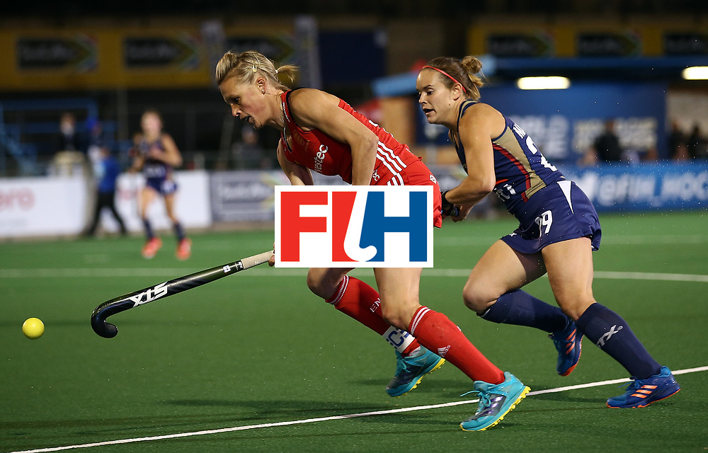 JOHANNESBURG, SOUTH AFRICA - JULY 20:  Alex Danson of England controls the ball from Alyssa Manley of United States of America during day 7 of the FIH Hockey World League Women's Semi Finals semi final match between England and United Staes of America at Wits University on July 20, 2017 in Johannesburg, South Africa.  (Photo by Jan Kruger/Getty Images for FIH)
