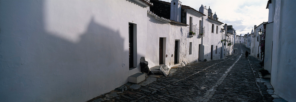PORTUGAL, ALENTEJO Monsaraz, walled hilltop village