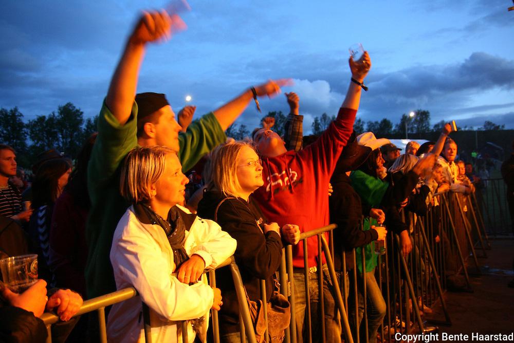 Hærmætti Tysland band slo gopdt an på Tydalsfestival'n. Foto: Bente Haarstad