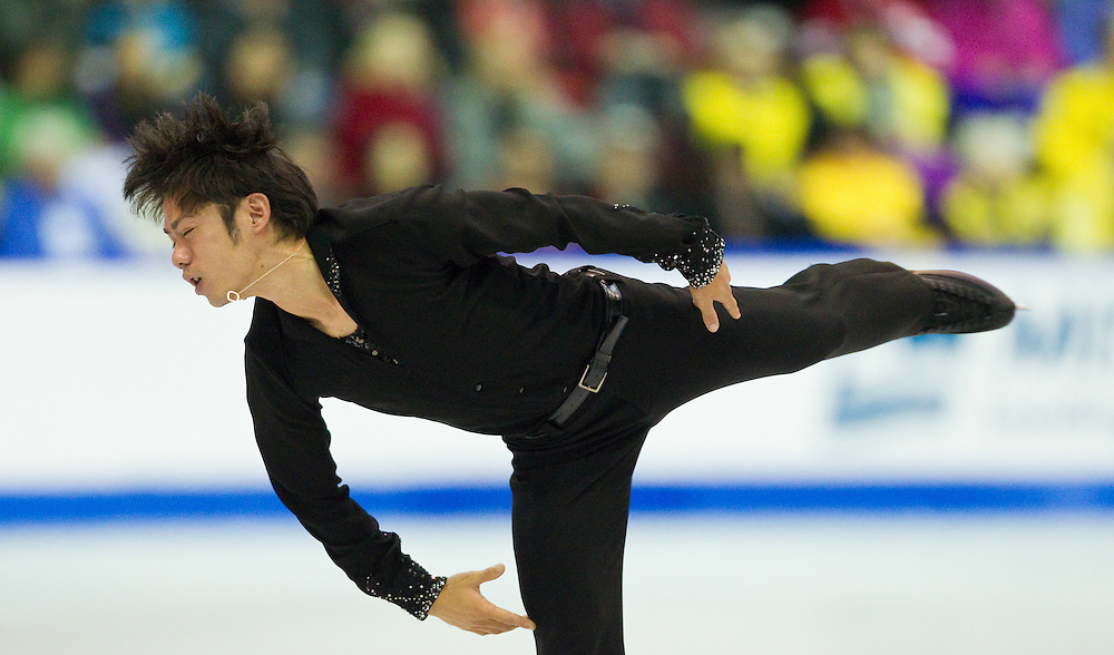 GJR434 -20111029- Mississauga, Ontario,Canada-  Daisuke Takahashi of Japan skates to a bronze medal in the mens competition at Skate Canada International, in Mississauga, Ontario, October 29, 2011.<br /> AFP PHOTO/Geoff Robins