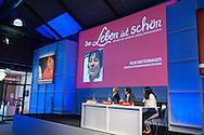 Das Leben ist schön feiert 2016 Premiere, das neue Premium Dinner Event im Rhein-Main Gebiet. Ab 26. 11.2016 in der Fredenhagenhalle Offenbach. www.das-leben-ist-schoen-variete.de