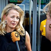NLD/Amsterdam/20100605 - Amsterdamdiner 2010, Prinses Mabel word geinterviewd