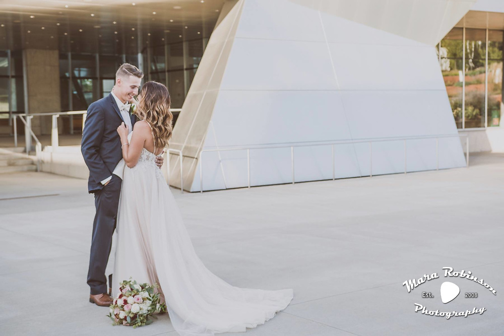 wedding at Akron Art Museum. Bride and groom by Tallmadge wedding photographer, Akron wedding photographer Mara Robinson Photography