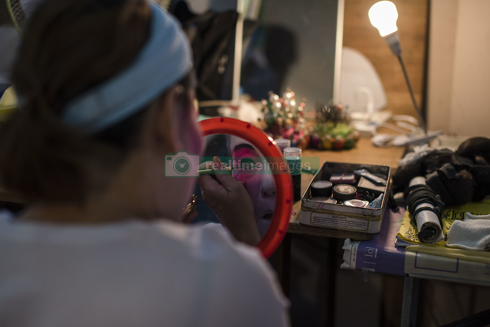 August 28, 2017 - Kuala Lumpur, MALAYSIA - Backstage scenes of Chinese opera at the Shen Sze She Yar temple, Kajang in Kuala Lumpur, Malaysia on on August 28 2017. The temple celebrate Xian Si Shi Ye anniversary on the seventh day of seven moon  (Credit Image: © Chris Jung via ZUMA Wire)