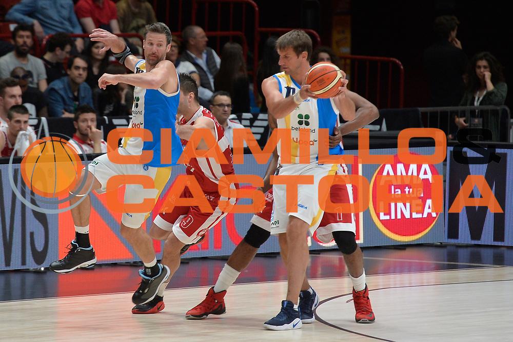 Sandro Nicevic,Drake Diener<br /> Olimpia EA7 Emporio Armani Milano vs Vanoli Cremona<br /> Lega Basket Serie A 2016/2017<br /> PlayOff semifinale gara 2<br /> Milano 14/05/2017<br /> Foto Ciamillo-Castoria / I.Mancini