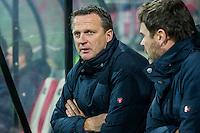 ALKMAAR - 06-02-2016, AZ - Vitesse, AFAS Stadion, 1-0, AZ trainer John van den Brom, Assistent trainer Dennis Haar