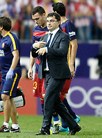 FC Barcelona's Thomas Vermaelen injured in presence of the Doctor Ricard Pruna during La Liga match.September 12,2015. (ALTERPHOTOS/Acero)