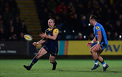Chris Pennell of Worcester Warriors offloads - Mandatory by-line: Alex Davidson/JMP - 22/12/2017 - RUGBY - Sixways Stadium - Worcester, England - Worcester Warriors v London Irish - Aviva Premiership