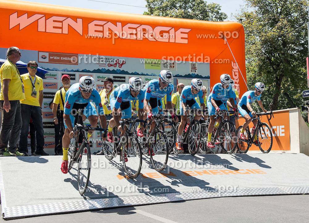 04.07.2015, Wien, AUT, Österreich Radrundfahrt, Mannschaftszeitfahren, im Bild Team Felbermayr Simplon // Team Felbermayr Simplon during the Tour of Austria, Team Time Trial, in Wien, Austria on 2015/07/04. EXPA Pictures © 2015, PhotoCredit: EXPA/ Reinhard Eisenbauer