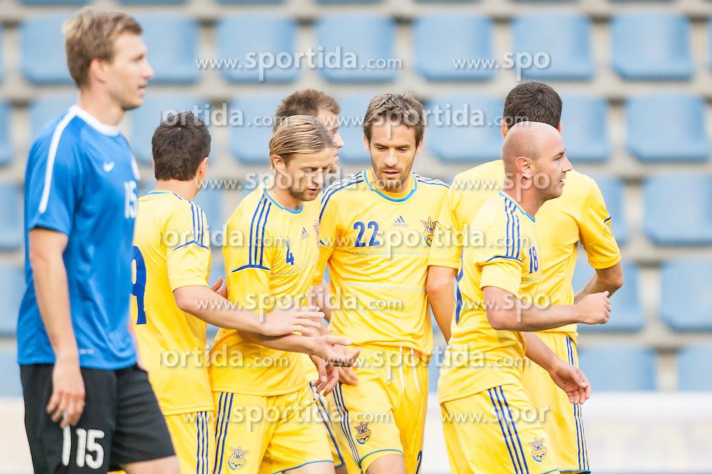 28.05.2012, Kufstein Arena, Kufstein, AUT, UEFA EURO 2012, Testspiel, Ukraine vs Estland, im Bild Torjubel ukraine nach dem 1 zu 0 durch Andriy Yarmolenko, (UKR, # 11),  Evgen Konoplyanka, (UKR, # 19), Anatoliy Tymoshchuk, (UKR, # 04), Marko Devic, (UKR, # 22), Sergiy Nazarenko, (UKR, # 18) // celebration of Ukraine after Andriy Yarmolenko, (UKR, # 11) scores the opening goal Evgen Konoplyanka, (UKR, # 19), Anatoliy Tymoshchuk, (UKR, # 04), Marko Devic, (UKR, # 22), Sergiy Nazarenko, (UKR, # 18)  during the Preparation Game for the UEFA Euro 2012 betweeen Ukraine and Estonia at the Kufstein Arena, Kufstein, Austria on 2012/05/28. EXPA Pictures © 2012, PhotoCredit: EXPA/ Juergen Feichter