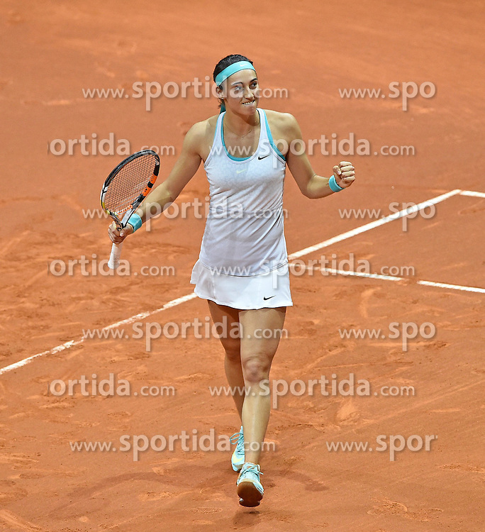 21.04.2015, Porsche Arena, Stuttgart, DEU, WTA Tour, Stuttgart Porsche Grand Prix, im Bild Caroline GARCIA (FRA) Schlussjubel nach gewonnenem Match gegen Ana IVANOVIC (SRB) Jubel jubelt Freude Emotion Faust geballt // during the Stuttgart Porsche Grand Prix WTA Tour at the Porsche Arena in Stuttgart, Germany on 2015/04/21. EXPA Pictures &copy; 2015, PhotoCredit: EXPA/ Eibner-Pressefoto/ Weber<br /> <br /> *****ATTENTION - OUT of GER*****