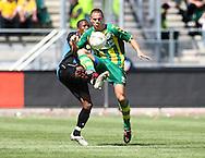 18-05-2008 Voetbal:ADO DEN HAAG:RKC Waalwijk:Waalwijk<br /> Lukeba Ronsard Victor in duel met Wesley Verhoek<br /> Foto: Geert van Erven