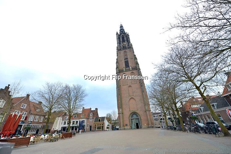 Nederland, the Netherlands, Amersfoort, 19-1-2016De Onze Lieve Vrouwe Toren in het oude centrum van de stad. Deze wordt als ijkpunt gebruikt voor het geografische nulpunt van ons land.Het is een toeristische attractie, en hij kan beklommen worden.FOTO: FLIP FRANSSEN/ HH