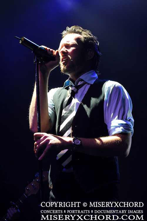 Scott Weiland performing at the last show of his solo tour @ The Henry Fonda in Hollywood, California USA on February 7, 2009