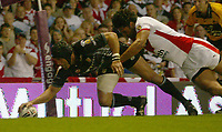 Photo: Aidan Ellis.<br /> St Helens v Hull FC. Engage Super League Grand Final 2006. 14/10/2006.<br /> Hull's Sid Domic<br />  scores the first try for his team
