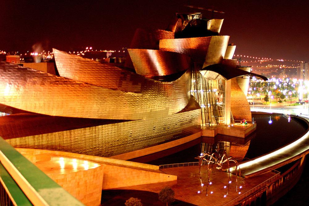 Museo Guggenheim Bilbao, Spainl./ m