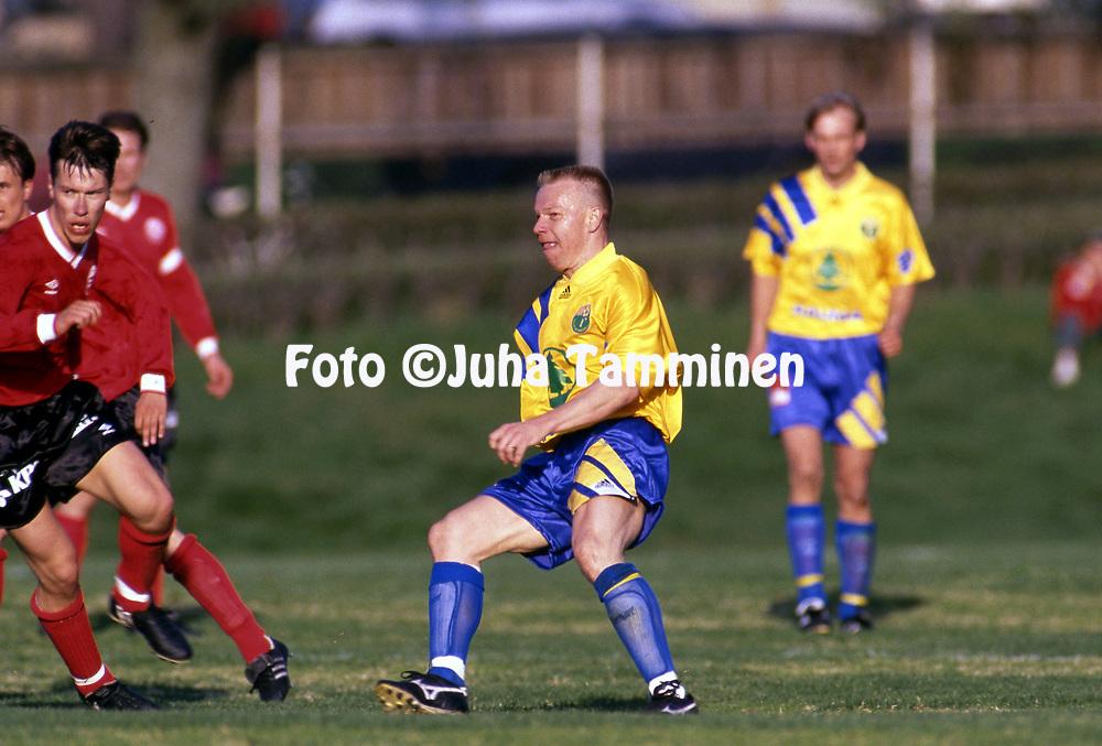 9.5.1993, &Auml;ij&auml;nsuo, Rauma.<br /> Ykk&ouml;nen 1993.<br /> Rauman Pallo-Iirot - Kajaanin Haka<br /> Risto Puustinen - Pallo-Iirot