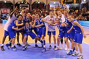 Vannes, 15/06/2013<br /> Eurobasket Women 2013<br /> Italia - Svezia<br /> Nella foto: team italia esultanza<br /> Foto Ciamillo