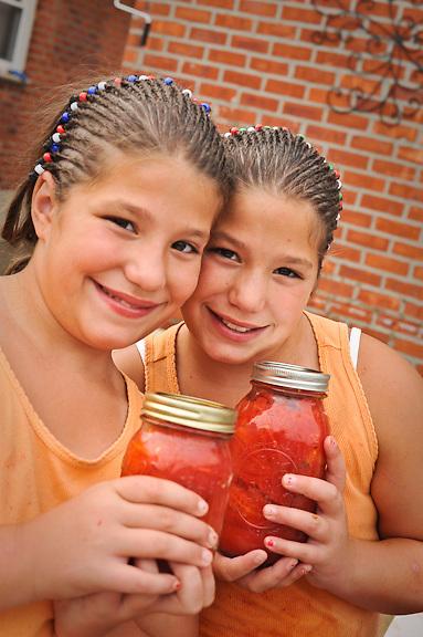 Edible Queens: Gina and Sabrina DeMarinis
