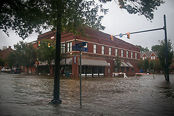 September 13, 2018 - New Bern, North Carolina, U.S. - Flooding is seen nearly sixteen hours before the landfall of Hurricane Florence, as early storm surges caused the Neuse River to rise above its' banks. (Credit Image: © Michael Candelori/ZUMA Wire)