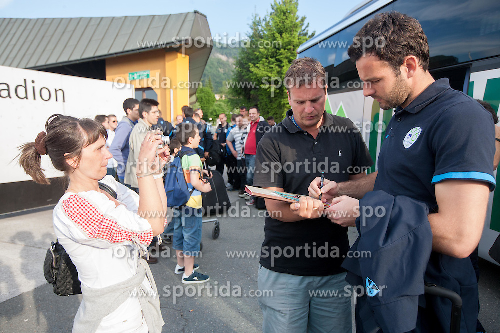Samir Handanovic of Slovenia with fans prior to the friendly football match between national teams of Greece and Slovenia, on May 26, 2012 in Kufstein, Austria.   (Photo by Vid Ponikvar / Sportida.com)