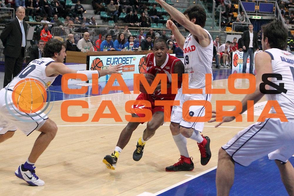 DESCRIZIONE : Bologna Lega Basket A2 2011-12 Conad Bologna Giorgio Tesi Group Pistoia<br /> GIOCATORE : Hardy Dwight <br /> CATEGORIA : entrata<br /> SQUADRA : Giorgio Tesi Group Pistoia<br /> EVENTO : Campionato Lega A2 2011-2012<br /> GARA : Conad Bologna Giorgio Tesi Group Pistoia<br /> DATA : 15/02/2012<br /> SPORT : Pallacanestro<br /> AUTORE : Agenzia Ciamillo-Castoria/M.Marchi<br /> Galleria : Lega Basket A2 2011-2012 <br /> Fotonotizia : Bologna Lega Basket A2 2011-12 Conad Bologna Giorgio Tesi Group Pistoia<br /> Predefinita :