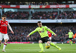 John Fleck of Sheffield United shoots - Mandatory by-line: Arron Gent/JMP - 18/01/2020 - FOOTBALL - Emirates Stadium - London, England - Arsenal v Sheffield United - Premier League