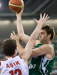 Erazem Lorbek (15) of Slovenia during the EuroBasket 2009 Group F match between Slovenia and Turkey, on September 16, 2009 in Arena Lodz, Hala Sportowa, Lodz, Poland.  (Photo by Vid Ponikvar / Sportida)