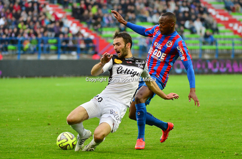 Christophe KERBAT / Herve BAZILE - 25.04.2015 - Caen / Guingamp - 34eme journee de Ligue 1<br /> Photo : David Winter / Icon Sport