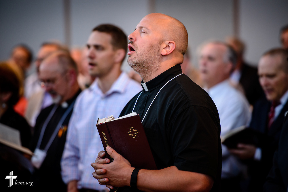 Floor-committee members and Synod staff sing at worship during floor-committee weekend at the International Center of The Lutheran Church–Missouri Synod on Saturday, May 28, 2016, in Kirkwood, Mo. LCMS Communications/Erik M. Lunsford