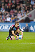 Twickenham. Great Britain, Adrian JARVIS, lining up the ball for a conversation kick,  during the, European Challenge Cup, match between, NEC Harlequins and Montpellier, on Sat., 28/10/2006, played at the Twickenham Stoop, England. Photo, Peter Spurrier/Intersport-images].....