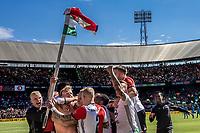 ROTTERDAM - Feyenoord - Heracles , Voetbal , Seizoen 2016/2017 , Eredivisie , Stadion Feyenoord - De Kuip , 14-05-2017 , Kampioenswedstrijd , Feyenoord speler Dirk Kuyt viert zijn 3e doelpunt met zijn shirt aan de cornervlag
