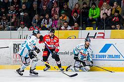 24.02.2019, Ice Rink, Znojmo, CZE, EBEL, HC Orli Znojmo vs EHC Liwest Black Wings Linz, Qualifikationsrunde, 49. Runde, im Bild v.l. Bracken Kearns (EHC Liwest Black Wings Linz) Nicolas Hlava (HC Orli Znojmo) Andreas Kristler (EHC Liwest Black Wings Linz) // during the Erste Bank Eishockey League 49th round match between HC Orli Znojmo and EHC Liwest Black Wings Linz at the Ice Rink in Znojmo, Czechia on 2019/02/24. EXPA Pictures © 2019, PhotoCredit: EXPA/ Rostislav Pfeffer