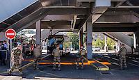 Operation de controle et de securite a la gare routiere de Perrache <br /> A cette occasion, une patrouille mixte, police et militaire, a effectue un controle aupres d&rsquo;un bus assurant des transferts de voyageurs a travers toute l&rsquo;Europe.