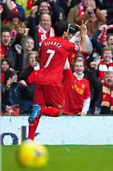 09.11.2013, Anfield, LIVERPOOL, ENG, Premier League, FC Liverpool vs FC Fulham, 11. Runde, im Bild Liverpool's Luis Suarez celebrates scoring the second goal // during the English Premier League 11th round match between Liverpool FC and Fulham FC at Anfield in LIVERPOOL, Great Britain on 2013/11/09. EXPA Pictures © 2013, PhotoCredit: EXPA/ Propagandaphoto/ David Rawcliffe<br /> <br /> *****ATTENTION - OUT of ENG, GBR*****