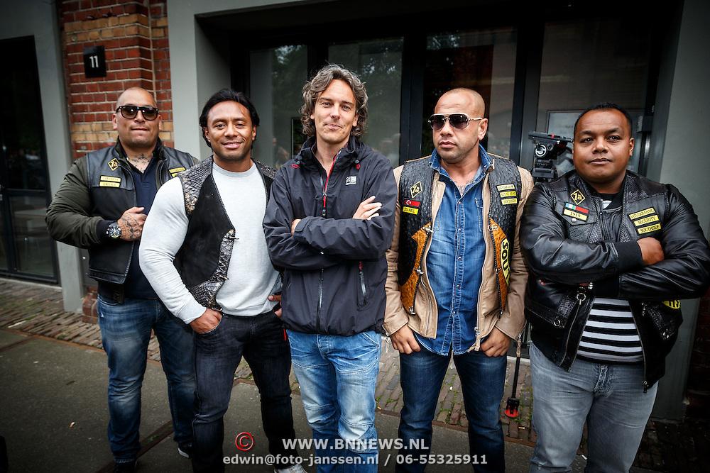 NLD/Amsterdam/20150618 - Voorvertoning Satudarah – One Blood documentaire, clubleden en documentairemaker Joost van der Valk