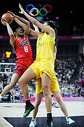 DESCRIZIONE : Basketball Jeux Olympiques Londres Demi finale<br /> GIOCATORE : McCoughtry Angel USA Cambage Elizabeth<br /> SQUADRA : USA FEMME<br /> EVENTO : Jeux Olympiques<br /> GARA : USA AUSTRALIE<br /> DATA : 09 08 2012<br /> CATEGORIA : Basketball Jeux Olympiques<br /> SPORT : Basketball<br /> AUTORE : JF Molliere <br /> Galleria : France JEUX OLYMPIQUES 2012 Action<br /> Fotonotizia : Jeux Olympiques Londres demi Finale Greenwich Arena<br /> Predefinita :