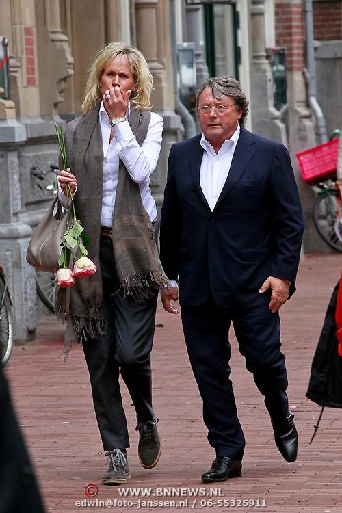 NLD/Amsterdam/20110722 - Afscheidsdienst voor John Kraaijkamp, Oger Lusink en partner