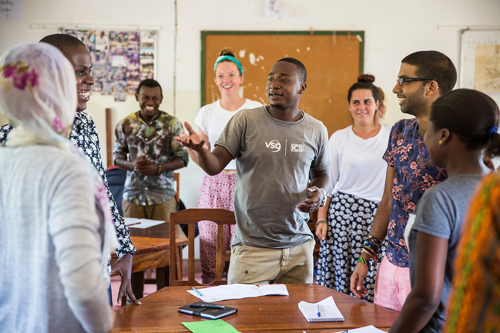 VSO ICS volunteer Nasir Bakari taking part in the ICS ACD at Likotwa school as part of the VSO / ICS Elimu Fursa project (Opportunities in Education) Lindi, Lindi region. Tanzania.