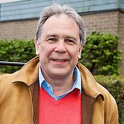 NLD/Laren/20100419 - Overhandiging boek John Kraaijkamp, Maarten Spanjer
