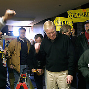 Rep. Richard Gephardt (D-MO) campaigns with Union members Sunday, January 18, 2004, in Des Moines, IA...Photo by Khue Bui