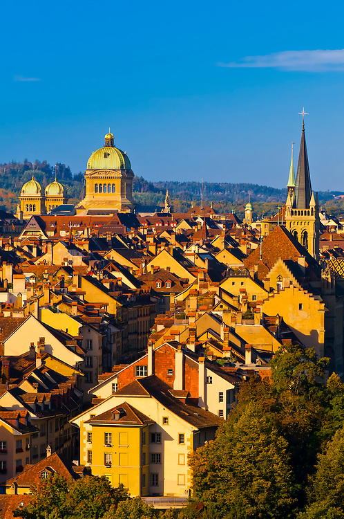 The medieval city center of Bern with the Parliament Building (Federal Palace of Switzerland) in back, Bern, Canton Bern, Switzerland