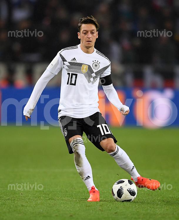 FUSSBALL  INTERNATIONAL TESTSPIEL  IN KOELN   Deutschland - Frankreich        14.11.2017 Mesut Oezil (Deutschland)