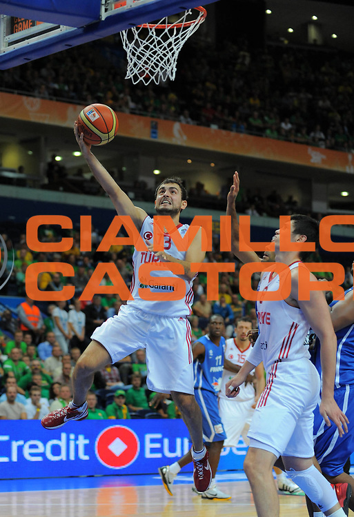 DESCRIZIONE : Vilnius Lithuania Lituania Eurobasket Men 2011 Second Round Turchia Francia Turkey France<br /> GIOCATORE : Ender Arslan<br /> SQUADRA : Turchia Turkey<br /> EVENTO : Eurobasket Men 2011<br /> GARA : Turchia Francia Turkey France<br /> DATA : 07/09/2011 <br /> CATEGORIA : tiro shot<br /> SPORT : Pallacanestro <br /> AUTORE : Agenzia Ciamillo-Castoria/T.Wiendesohler<br /> Galleria : Eurobasket Men 2011 <br /> Fotonotizia : Vilnius Lithuania Lituania Eurobasket Men 2011 Second Round Turchia Francia Turkey France<br /> Predefinita :
