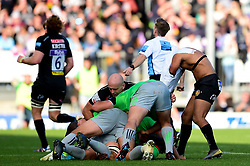Tom O'Flaherty of Exeter Chiefs loses his shirt as Gabriel Ibitoye of Harlequins keeps hold of it during a ruck - Mandatory by-line: Ryan Hiscott/JMP - 19/10/2019 - RUGBY - Sandy Park - Exeter, England - Exeter Chiefs v Harlequins - Gallagher Premiership Rugby