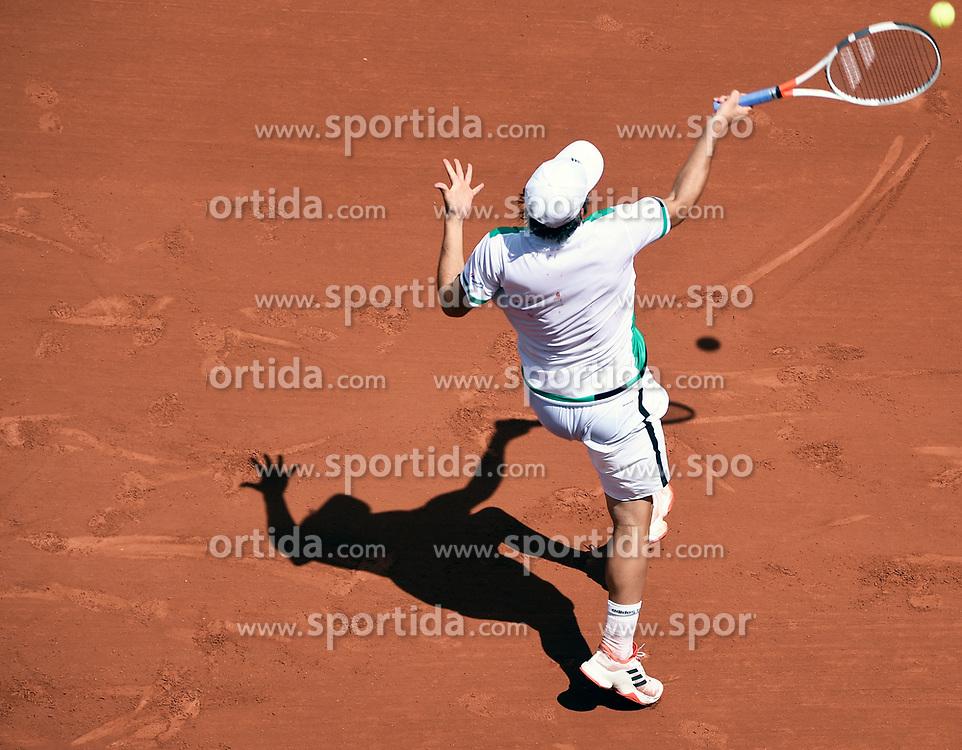 31.05.2017, Roland Garros, Paris, FRA, ATP Tour, French Open, im Bild Dominic Thiem (AUT) // Dominic Thiem (AUT) during the French Open Tournament of the ATP Tour at the Roland Garros in Paris, France on 2017/05/31. EXPA Pictures © 2017, PhotoCredit: EXPA/ Vianney Thibaut