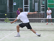 Padel Tennis, SportScheck Anlage in Muenchen,<br /> Aktion,Einzelbild,Ganzkoerper,Querformat